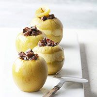 A classic baked apple dessert, only done in a slow cooker. Play around with the spices and dried fruit options until you find your favorite mix.