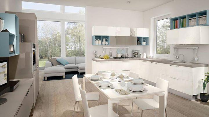 Il bianco in cucina rende gli ambienti più luminosi e spaziosi contribuendo a creare un'atmosfera fresca e accogliente. #Lube #arredo #design #CucineLubeTorino #Cucine #Lube