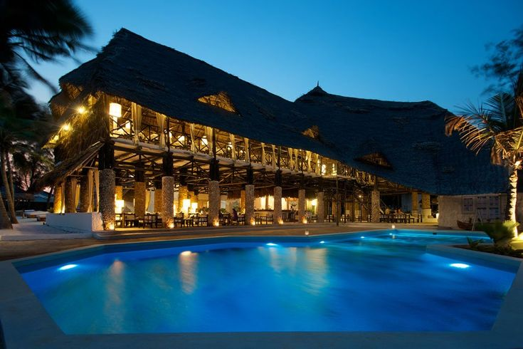 KENYA. Agosto Barracuda Inn Resort 16 giorni 14 notti dal 6 Agosto al 21 Agosto euro 2150 www.cocoontravel.uk