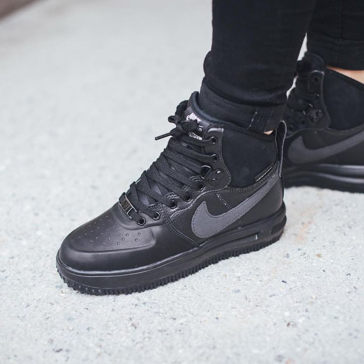 Titolo Sneaker Boutique sur Instagram : Nike Lunar Force 1 Sneakerboot (GS)  'Black