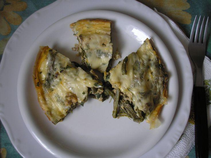Könnyű+előétel,+amelyhez+a+Férjem+által+összeállított,+szerecsendió-alapú+fűszert+használtam+fel.+Elkészítése+pillanatok+műve,+hiszen+csak+meg+kell+főzni+a+zsenge+spárgát,+majd+a+sajttal,+tojással+addig+betenni+a+sütőbe,+amíg+szilárd+egységet+nem…