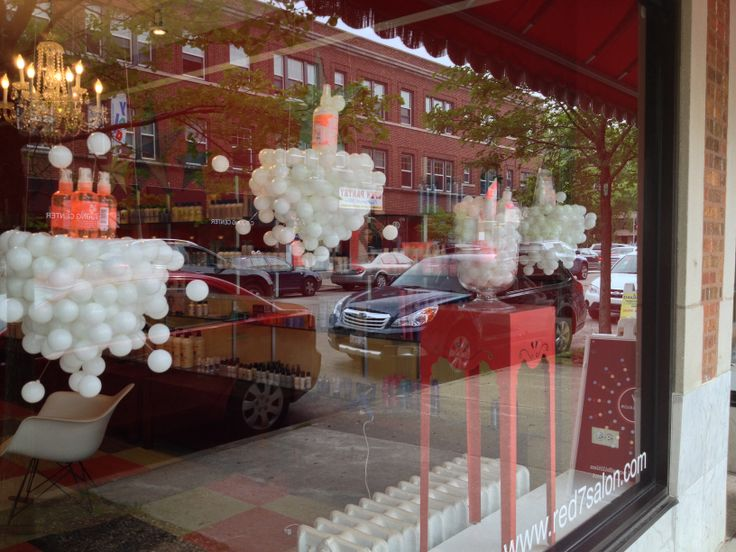 25 best ideas about salon window display on pinterest for Salon xmas decorations