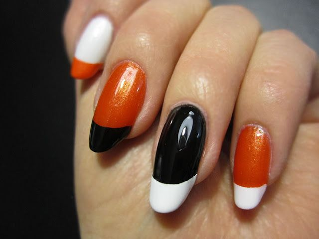 ZigiZtyle: Retro French Manicure
