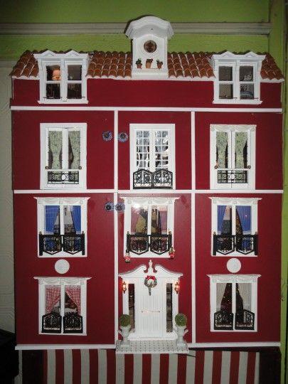 Fachada  de casita de  muñecas