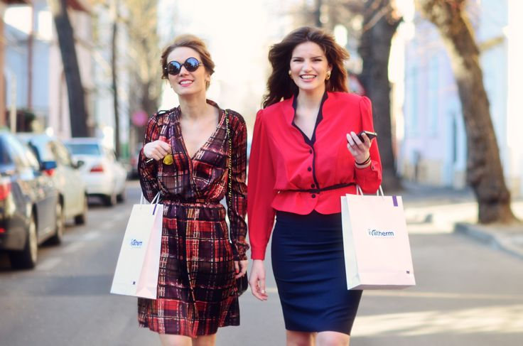 Andreea Bucovineanu (Ivatherm) and Ionela Mandrescu #prettygirl #beauty #ivatherm #herculanethermalwater #fashion #streetstyle