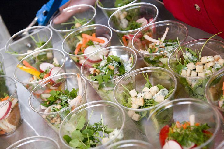 U bent de hele dag intensief aan het werk. Of u bent te gast bij een congres. En dan krijgt u trek in een lekkere snack. Even een kleine pauze … daar hoort natuurlijk een lekkere  bite bij. Alles is mogelijk met de #maatwerk #catering van de #Buitensocieteit #Zwolle.