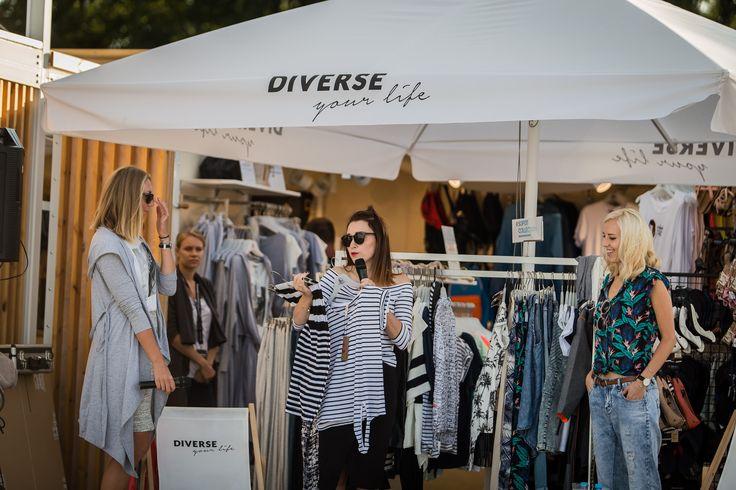 Ostatnie warsztaty z cyklu DIVERSE YOUR LIFE upłynęły pod znakiem mody i stylu. Blogerki Shiny Syl i MERI WILD opowiedziały o letnich trendach, pomysłach na każdą sylwetkę i doradziły, jak uniknąć modowych wpadek ;)   #shinysyl #meriwild #DiverseSummerPopUpStore #diverseyourlife #diversesystem #diverse #fashion #blogger # fun #summer #sopot #sopotcollection #beach