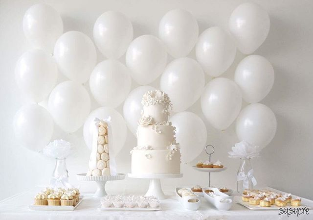 Love this Modern Romantic Dessert Table by Susucre! Book the package which is catered to 50 guests @ SGD485 now at Aiido.com. #aiido #aiidowedding #desserttable #sgwedding #sgbrides #weddingdecor #balloons