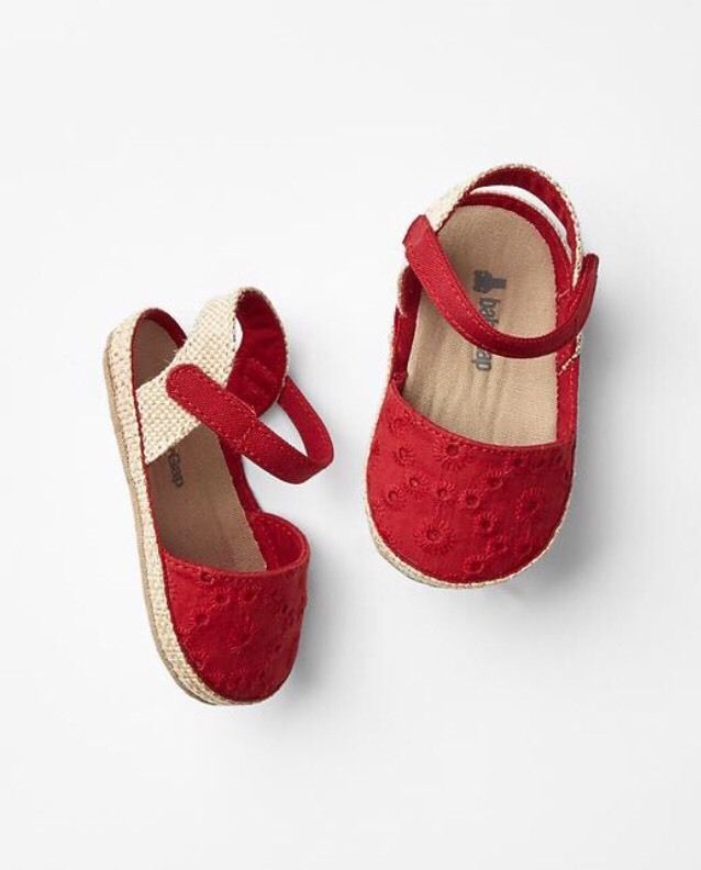 GAP Baby Girls Size 3-6 Months Red Eyelet Espadrilles Sandals Flats Shoes  ccb376b45
