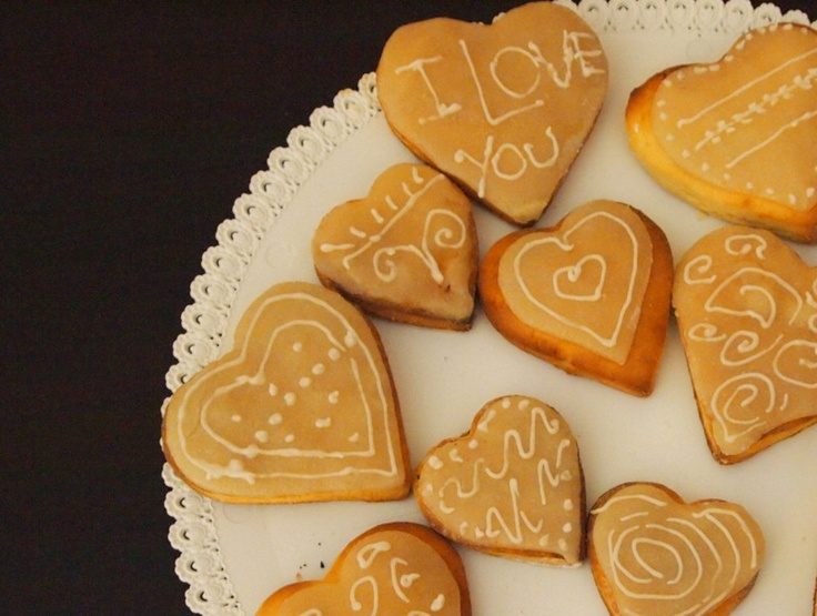 Biscuits in love