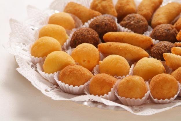 Quando o assunto é matar a fome na madrugada paulistana, a Salgaderia, conhecida também por Fabriquinha de Salgados, pode ser uma opção para quem procura refeições rápidas, baratas e deliciosas.