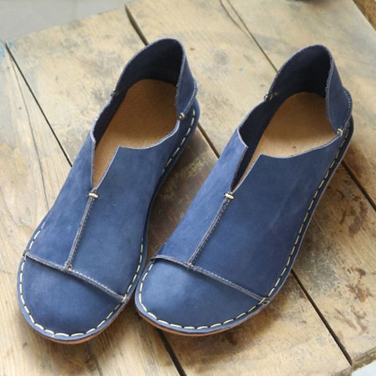 New Loafer ShoesEmbossed Genuine LeatherRound ToeLow HeelRubber Sole;Slip-on;Fashion and Comfortable;