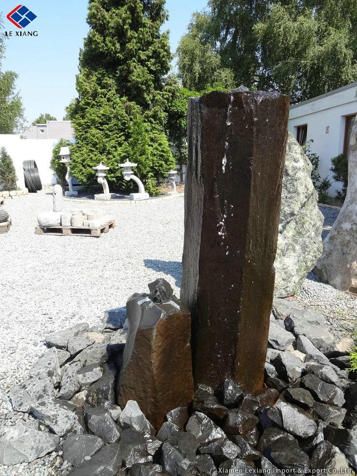 Garten naturstein quellstein schwarz granit garten for Natursteine garten