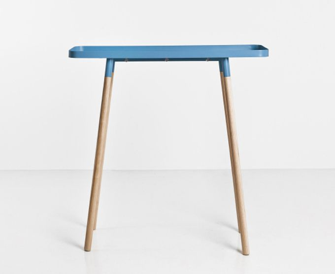 Tray table | Bao-Nghi Drostes