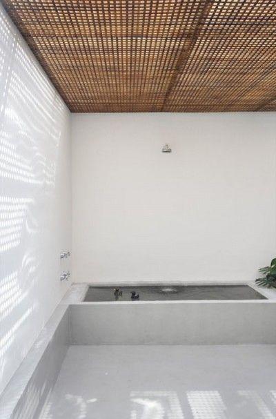 Studio GT SP: Ideas, Tubs, Houses, Modern Bathroom, Interiors, Guilherm Towers, Minimalist Bathroom, Wood Ceilings, Outdoor Bathroom