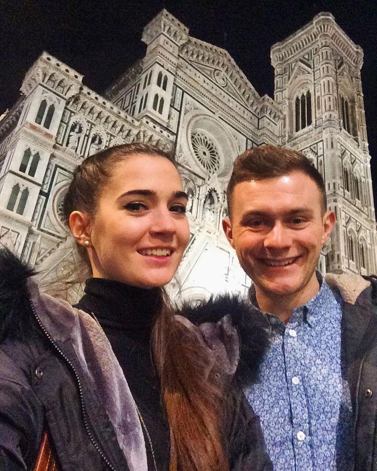 Wy mieliście dzisioj rolady i kluski to my mōmy chocioż floryncko katedra na wieczōr. Rymis?  - #florencja #firenze #florence #włochy #italy #italia #belekaj #godej #rajza #podróż #podroze #podróże #zwiedzamy #podrozemaleiduze #blogtroterzy #blogpodrozniczy #travel #travelblog #travelgram #duomo #bynight #polishtravelblogs #ig_italy #igersitalia #igersfirenze #couple #matik #juleczka