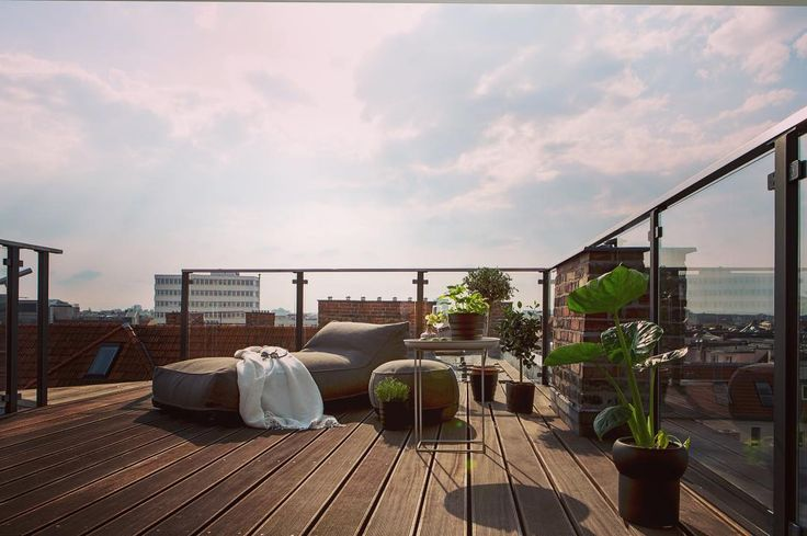 On top of the roofs in Berlin. Today we are featuring a magnificent loft for sale in the Berlin district Charlottenburg! . . . #Charlottenburg #loft #rooftop #rooftopterrace #terrace #thursdaytreat