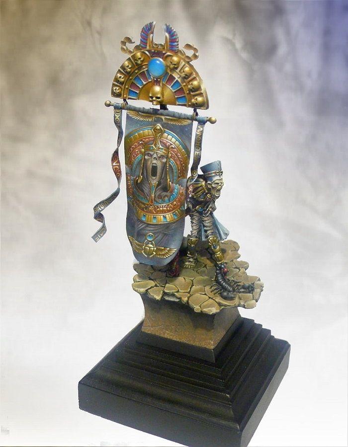 Khemri standart bearer | Tomb Kings #warhammer #whfb #wh #aos #ageofsigmar #sigmar #gw #gamesworkshop #wellofeternity #miniatures #wargaming #wargames #fantasy #hobby