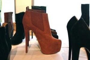 brown boots #fashion #hills #elegant #boots #black platform #brown