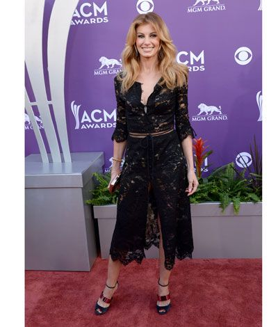 Red Carpet American Country Music Awards - Faith Hill