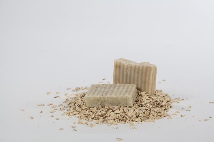 The Granola Muncher A truly soothing and scent-free soap Sweet almond oil (prunus amygdalus dulsis), organic honey, oatmeal, dried comfrey leaves