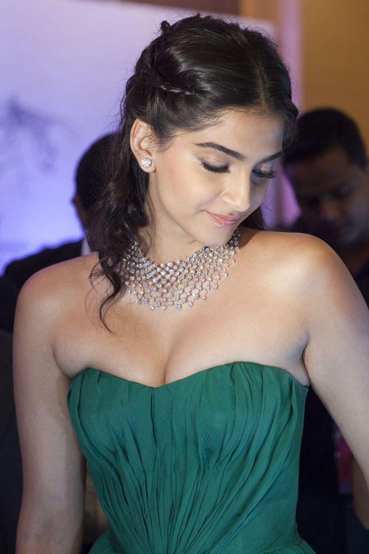 64 Best Sonam Kapoor Images On Pinterest  Sonam Kapoor -6596