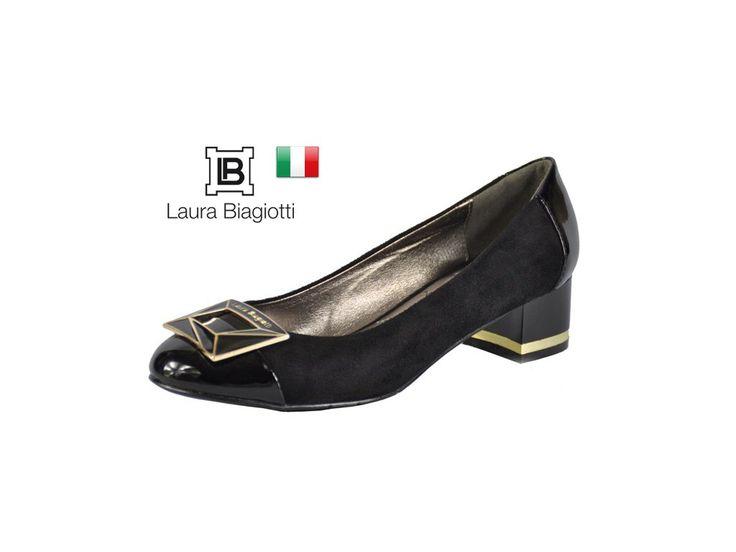 BALERÍNKY S PODPATKEM LAURA BIAGIOTTI  Černé se zlato-černou sponou vepředu na špičce, na které je logo LAURA BIAGIOTTI.Podzimní, elegantní a společenské balerínky. #italskamoda #damskaobuv #balerinky #botyspodpatkem #laurabiagiotti