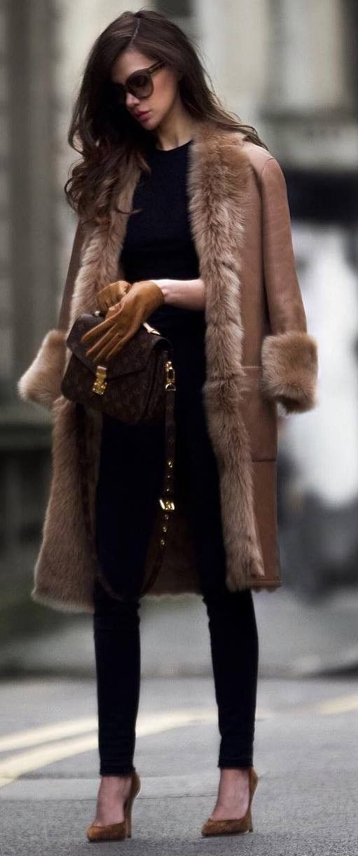 winter fashion trends | nude fur coat bag skinnies heels top