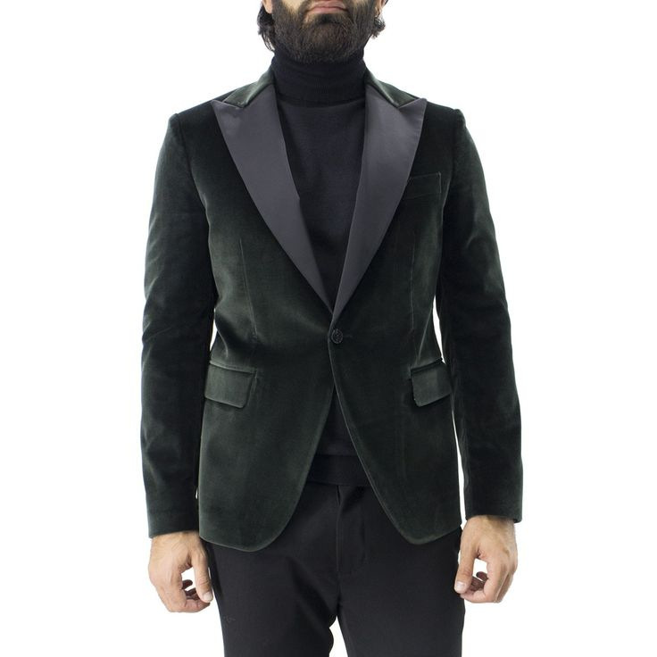 BRIAN DALES Giacca uomo monopetto in velluto. #carillomoda #carillomodaboutique #giubbino #fw #fallwinter #newcollection #giubbinouomo #outfit #man #ideas #lana #pelliccia #outfitoftheday #black #blue #tasconi #inverno #tartan #cappotto #quadri #velluto #black