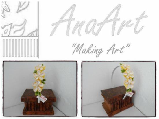 Diadema/Tocado flores silvestres amarillas y blancas. Diadema forrada con flores hechas con tela de cinco pétalos y cada una rematada con pistilios. Cada flor mide 3,5 cm de diámetro. Se puede hacer en otros colores, solo tienes que ponerte en contacto conmigo!. Es un trabajo realizado por AnaArt.
