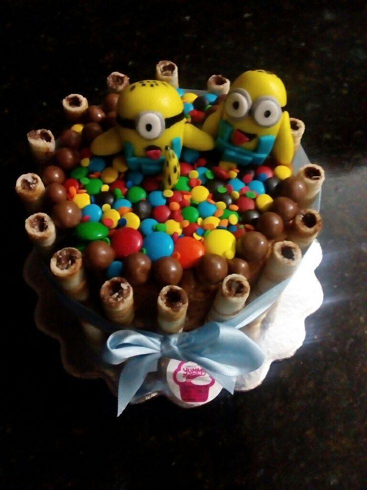#cake #minicake #cakeminion #golosinas #dandys #yummygourmet #yummy