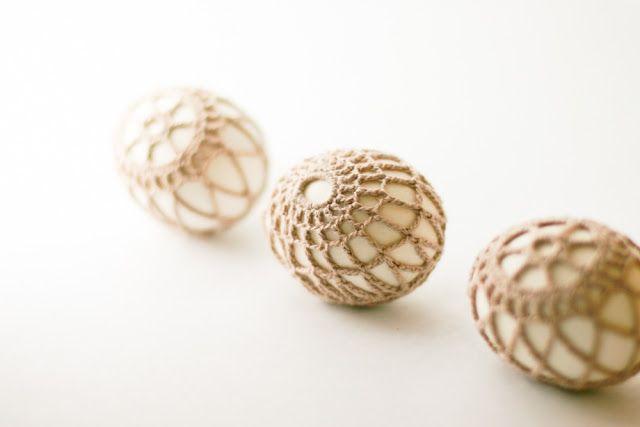 Crochet-Covered Easter Eggs –a DIY tutorial