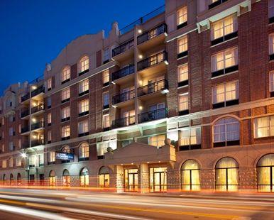 Hilton Garden Inn Savannah Historic District Hotel, GA - Hotel Exterior at Night | GA 31401