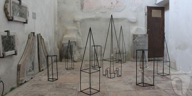 Opera di Piergiorgio Colombara alla mostra Abbey Contemporary Art presso l'ex-Abbazia di San Remigio a Parodi Ligure (AL)