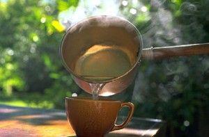 The Rooster: Θεραπεία με ζεστό νερό που καίει τα λίπη και θεραπ...