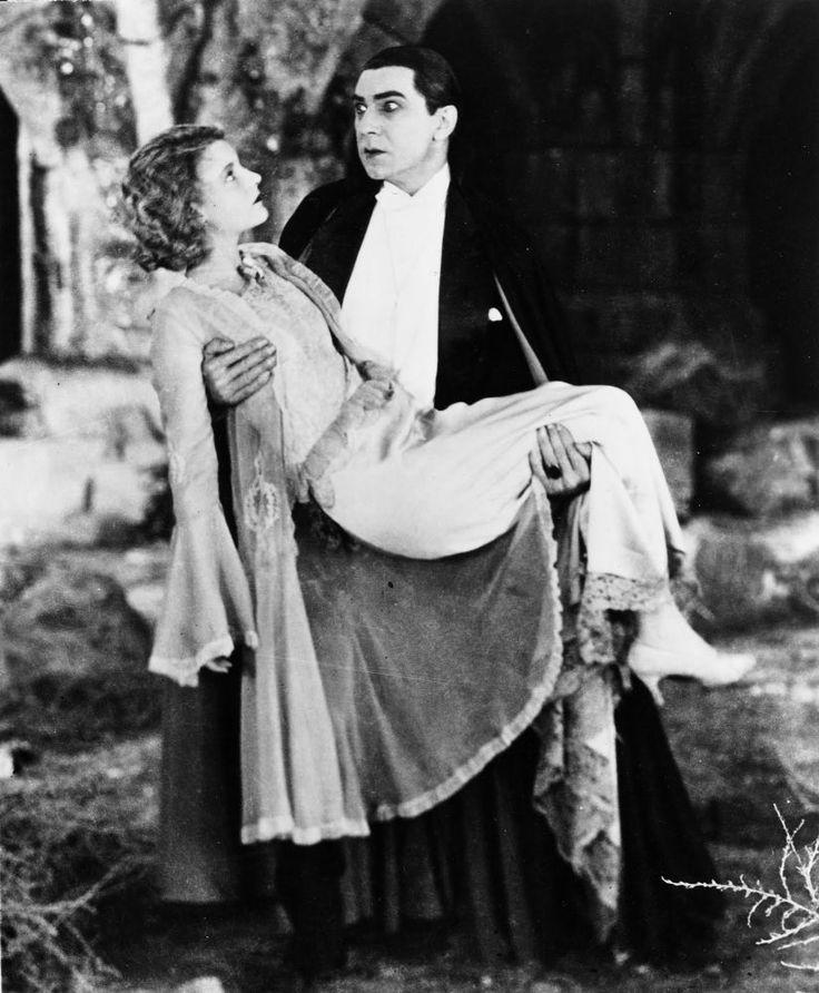 Bela Lugosi and Helen Chandler in Dracula (1931)