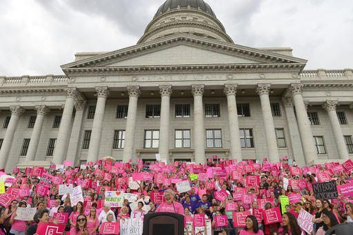 SALT LAKE CITY/February 20, 2017 (AP)(STL.News) — Last year, Utah enacted a first-in-the-nation law requiring that fetuses receive anesthesia or painkillers before elective abortions starting at 20 weeks gestation. Nine months later, the only licen...