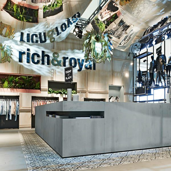 Rich & Royal Exhibition Stand in Berlin by Blocher Blocher Shops