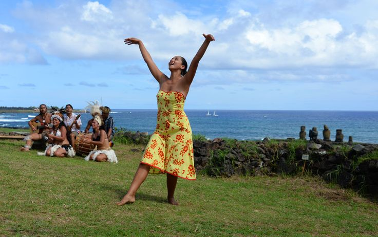 Dance show in front of moai statues. Who would want to come?  Please like and share!