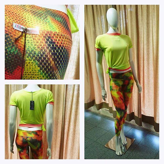 Vitrine do dia  Quer cores mais modernas e lindas que essas?  Impossível  então corre no nosso site www.mamalatina.com.br e garanta um Look Fitness moderno, confortável e de preço ótimo ! Vem gente!  esse Look sai com frete gráaaatis!  #moda #modafitness #modaesportiva #esporte #fashion #follow #fit #fitness #comprasonline #lfl #vendas #conprasonline #confortável #linda #mulheresquetreinam #treino #gym #yoga #pilates #legging #regata #top