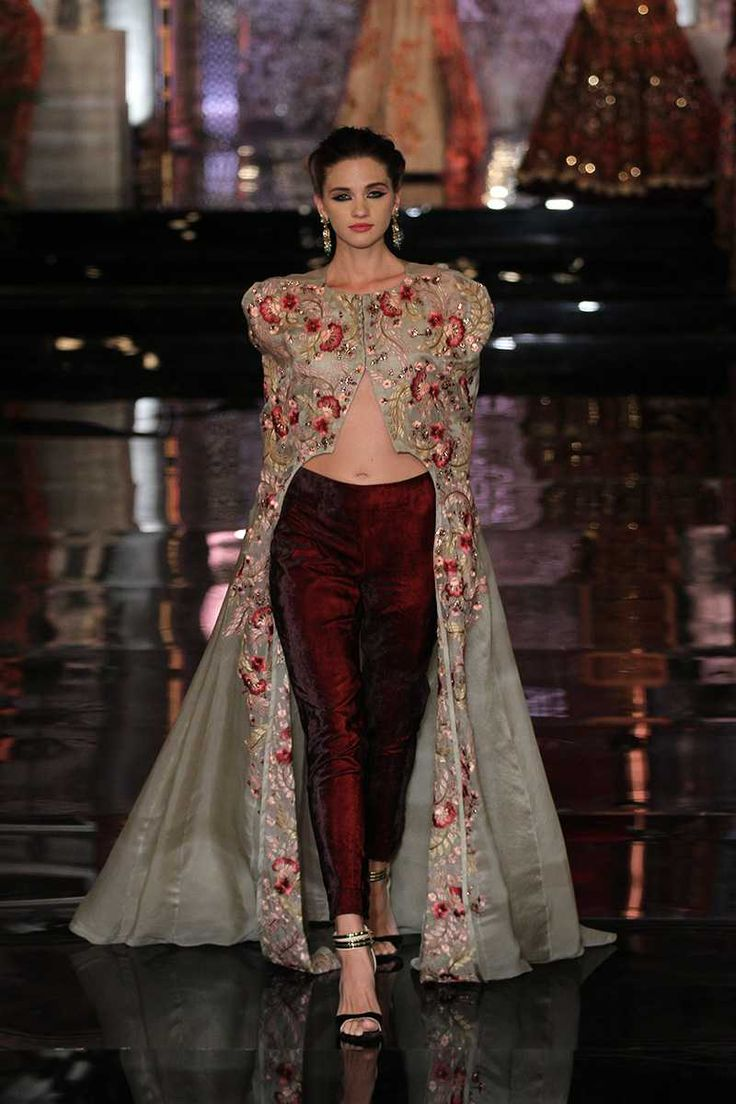 Manish Malhotra Latest Bridal Collection At India Couture