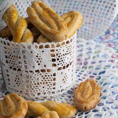 Ο Στέλιος Παρλιάρος Φτιάχνει Πασχαλινά Κουλουράκια - Η συνταγή για παραδοσιακά Σμυρναίικα κουλούρια από τον γνωστό σεφ : συνταγές από chef - yupiii.gr
