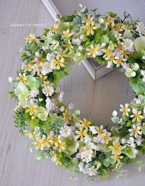 little flowers & green wreath