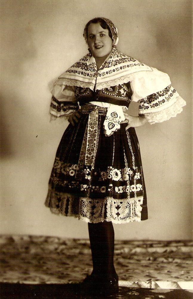 http://ceskabeseda.mistrovice.eu/soubory_historie/00_1928_krojkyjovsky.jpg