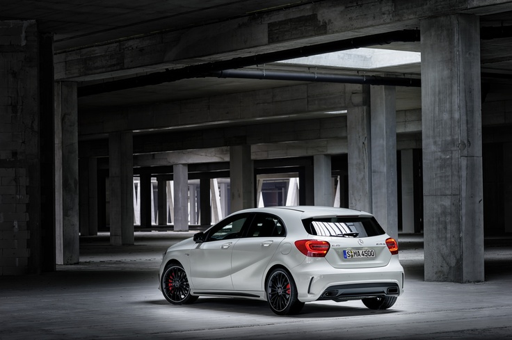 With a maximum output of 265 kW (360 hp) and up to 450 Newton meters of torque, the AMG 2.0-liter four-cylinder turbo engine is the most powerful series production four-cylinder engine in the world.
