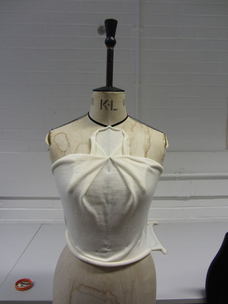Draping on the stand - bodice design & structure development - fashion design; fabric manipulation; couture techniques // Threadbear
