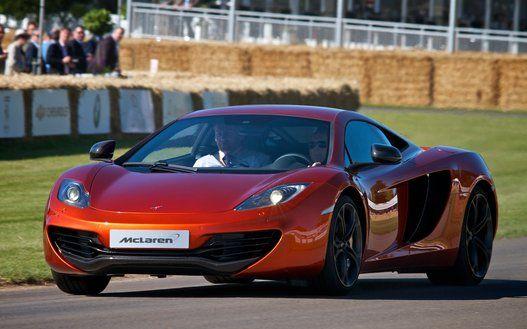 マクラーレン「650S」 F1チームを運営する英国「マクラーレン」の関連会社マクラーレン・オートモーティブが製造・販売しているスーパーカー。650馬力のハイパワーエンジンを搭載する。価格はクーペは3160万円、スパイダーが3400万円 。