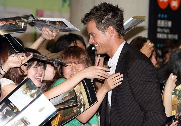Josh Duhamel Actor Josh Duhamel attends the 'Transformers' Japan Premiere at Big Sight on July 24, 2007 in Tokyo, Japan. The film will open on August 4 in Japan.