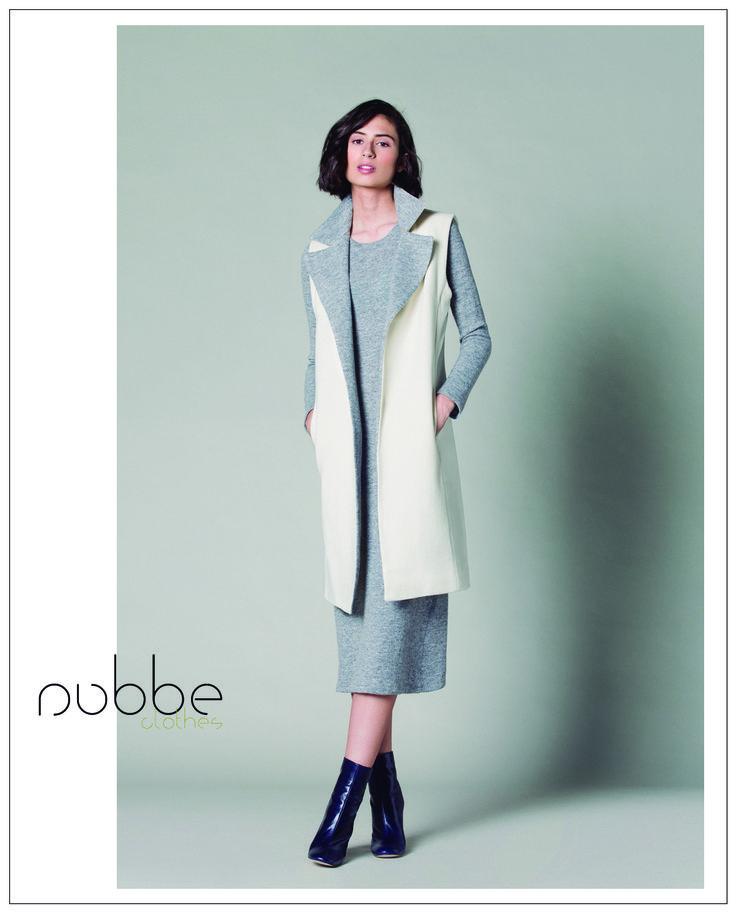 En Nubbe Clothes tenemos las mejores propuestas para combatir el frío. ¡Apuesta por este look urbano y casual, en el que el maxichaleco es la estrella!