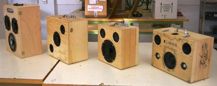 bocinas portatiles de madera - Buscar con Google